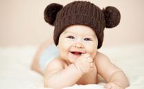 冬天宝宝几天洗一次澡 冬天宝宝什么时候洗澡最好