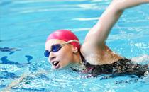 游泳为什么会变黑 游泳变黑的原因