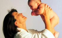 哺乳期间为什么老堵奶 哺乳期奶水太多怎么办